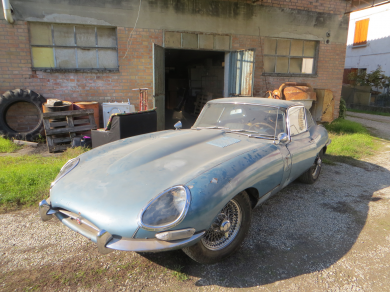 Jaguar E type 4.2 coupe